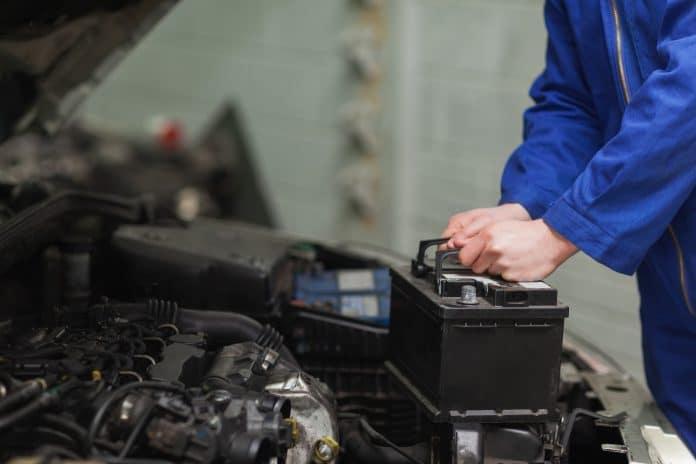 Comment changer la batterie d'une voiture ?