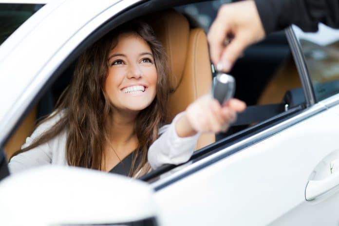 Acheter une voiture d'occasion en Corse, garage spécialisé ou particulier ?